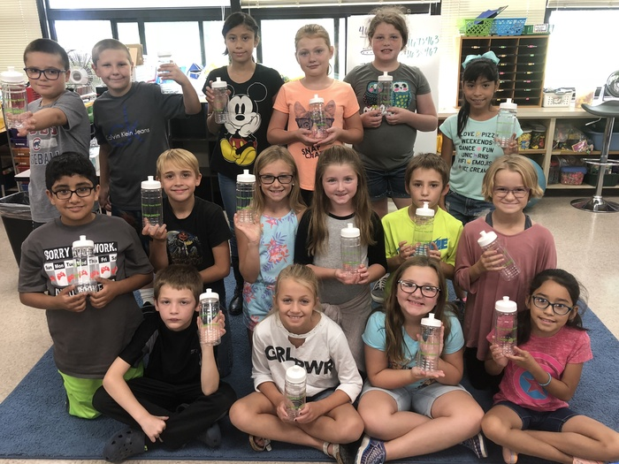 Ms Cline's class with their new Delta Dental Water Bottles